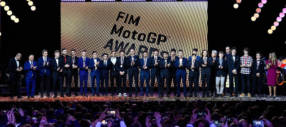 Trastevere73 receives his trophy at the FIM MotoGP™ Awards